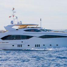 Regulus Yacht Running Shot - Profile