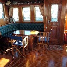 Bojaros Yacht