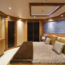 Hokulani Yacht Guest Stateroom