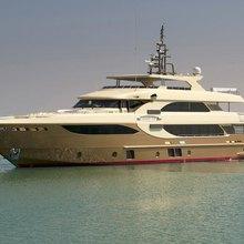 Lady Tahiti Yacht