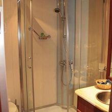 Kairos II Yacht Shower Room