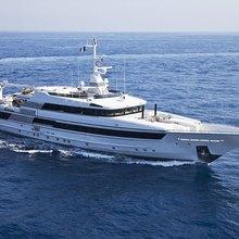 FAM Yacht Underway