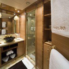 Hokulani Yacht Twin Bathroom