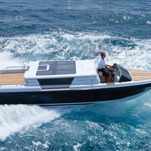 Horizons III Yacht