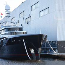 Kiss Yacht