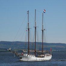 Loth Lorien Yacht