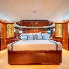 Pure Vida Yacht