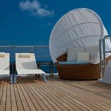 Bella Vita Yacht Flybridge Seating