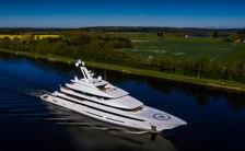 motor yacht avantage yacht underway aerial shot
