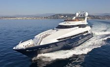 daloli yacht underway in greece on a charter vacation