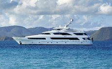 VICTORIA DEL MAR Yacht Review