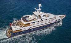 BLU 470 Yacht Review