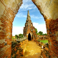 Admire the Ruins of the Ancient Temples of Ayutthaya