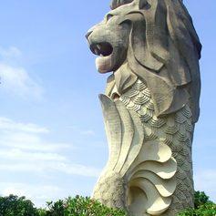 Big statue of historical Merlion