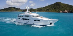 Perle Bleue yacht charter