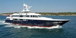 Helios 2 yacht charter