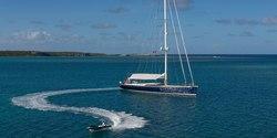 Farfalla yacht charter