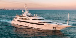 Lumiere yacht charter