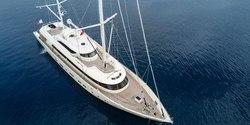 Aresteas yacht charter
