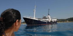 Drenec yacht charter
