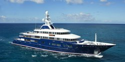 Huntress yacht charter