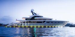 Soaring yacht charter