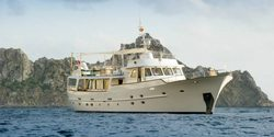 Monara yacht charter