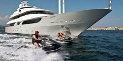 Rarity yacht charter
