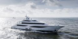 Arrow yacht charter