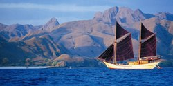 Silolona yacht charter