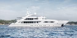Oasis yacht charter