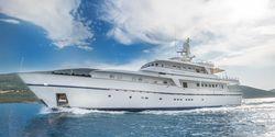 Cheetah Moon yacht charter
