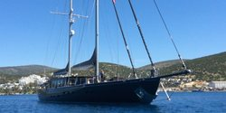 Rox Star yacht charter