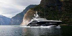 Lady Li yacht charter