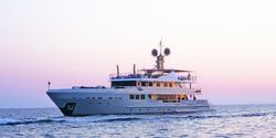 R23 yacht charter