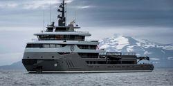 Ragnar yacht charter
