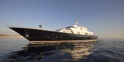 Libra Y yacht charter