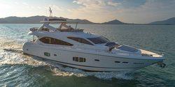 Maxxx yacht charter