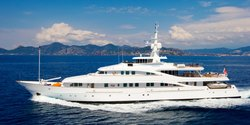 Lou Spirit yacht charter