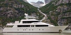 Serengeti yacht charter