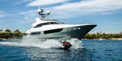 Legenda yacht charter