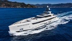 Vertige yacht charter