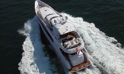 C'est La Vie yacht charter