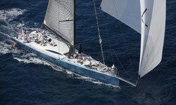 Leopard 3 yacht charter