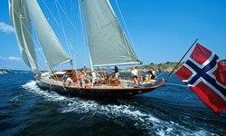 Sincerity yacht charter