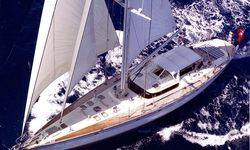 Coconut yacht charter