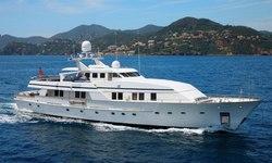 Fiorente yacht charter