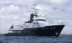 RH3 yacht charter