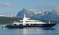 Triple Seven yacht charter
