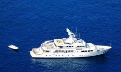 Maverick II yacht charter